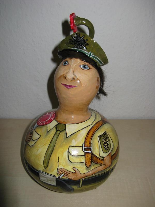 Polizistin Tina